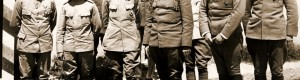 11 август 1917: Бугарскиот принц Борис (четврти), генерал-полковник Никола Жеков (шести) и високи офицери на Централните сили сликани во Прилеп