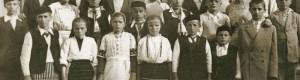 21.05.1949: Ученици од Стровија на екскурзија во Скопје со учителките Паре и Маре.