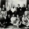 Борис Василев Мончев (Трет ред, крајно десно) сликан со видни дејци на ВМРО и ВМОК...