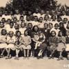 1949/50: Ученици од IV одделение, сликани со учителка Спасија