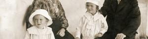 Стефка и Стефан Тасески со нивните деца Иванка и Аначе...