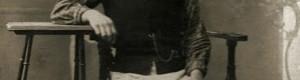 Некој од семејството Сачмаровци, облечен во утаре или скутина, или народно кажано - предкурец...