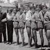 """1955/56: Женската ракометна екипа на ОУ """"Кочо Рацин"""", првак на Прилеп."""