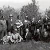 """Мај 1972: Благоја Руското (стои четвртти од лево) заедно со """"Распеани Прилепчани"""" на снимањето на серијалот  """"Распеани градови"""""""