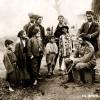 1917: Локален бербер од Прилеп потстрижува германски војник...