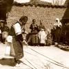 1917: Сновење на јаток за ткаење...