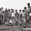 """1975: Излет со ученици од ОУ """"Гоце Делчев"""" до Топташ."""