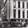 14 мај 1978: Ловците и гостите пред новоотворениот Ловечки дом