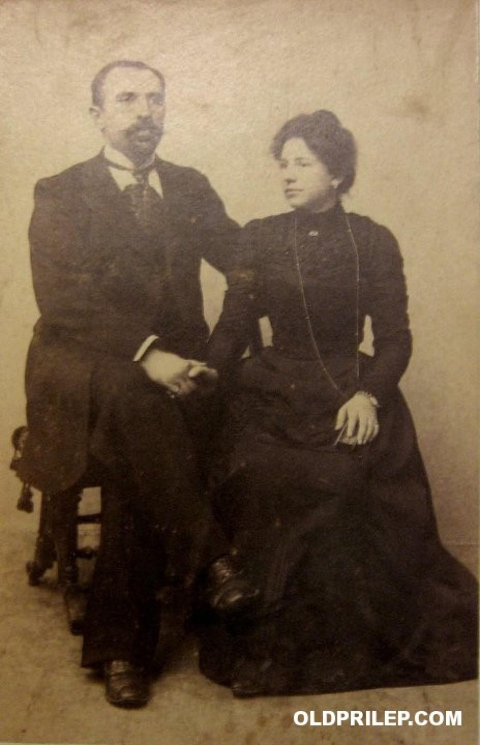 Јордан Бомболов со сопругата Анастасија сликани во Солун.