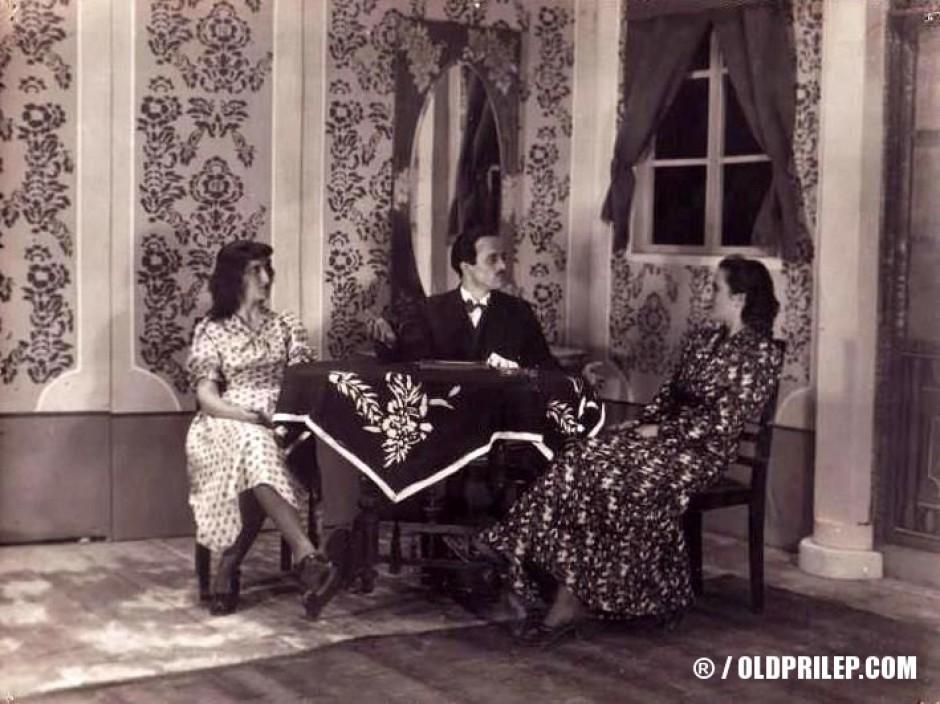 """18 февруари 1950: Сцена од """"Кир Јања"""", првата претстава во НТ """"Војдан Чернодрински""""."""