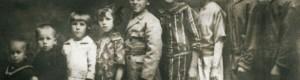 Дваесеттите години од минатиот век... Внуците на поп Јован Попоски: Гога Тасески, Сотир Сотироски, Нада Тасеска, Блага Сотироска,Аначе Тасески,Христина Попоска, Иванка Тасеска, Васка и Цена Сотироски