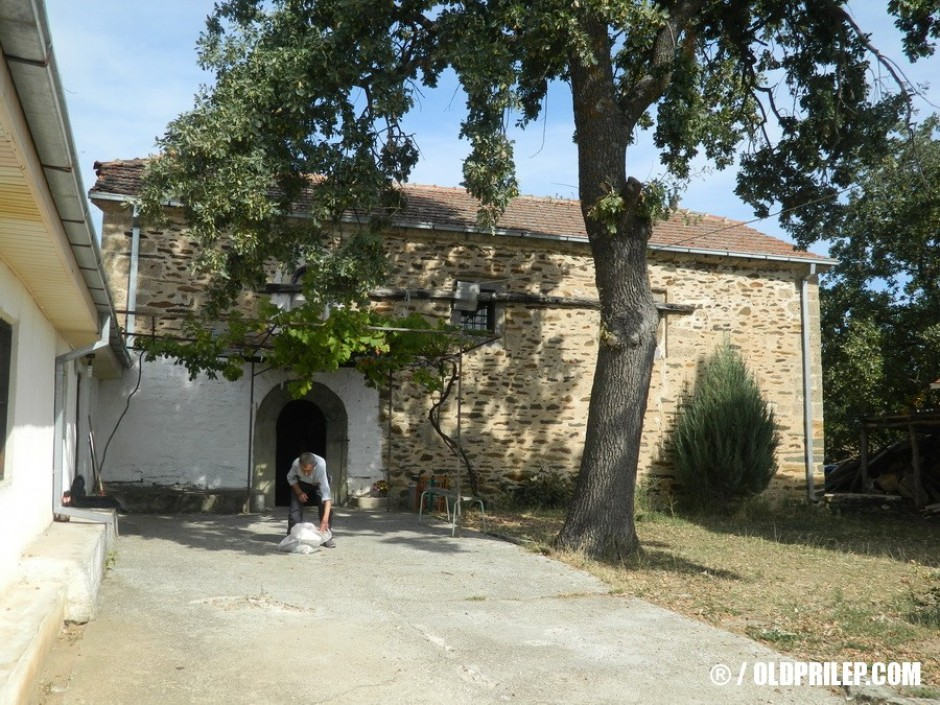 """Црква """"Света Троица"""", село Ропотово."""